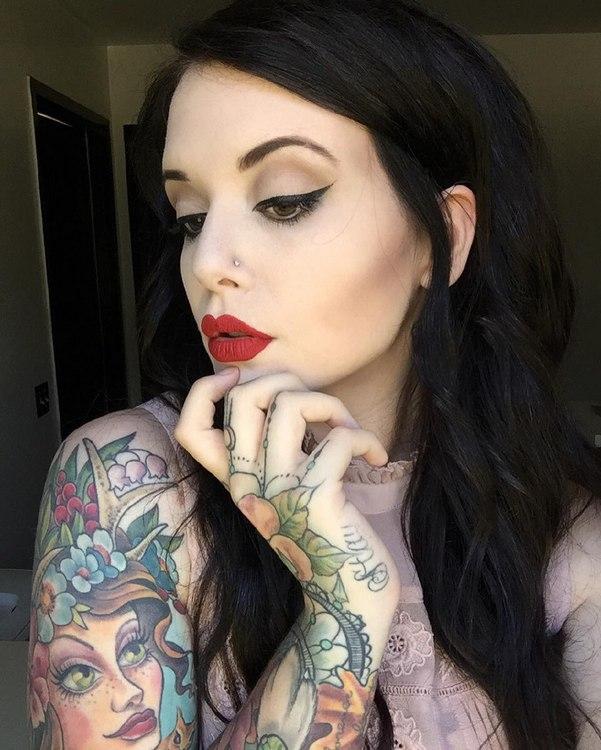 Фото татуированных девушек